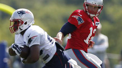 ROOKIE JAMES WHITE EXCEEDING EXPECTATIONS IN PATRIOTS TRAINING CAMP